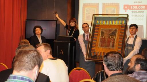 Drapelul lui Avram Iancu, din casa lui Vadim în mâna lui Thiess