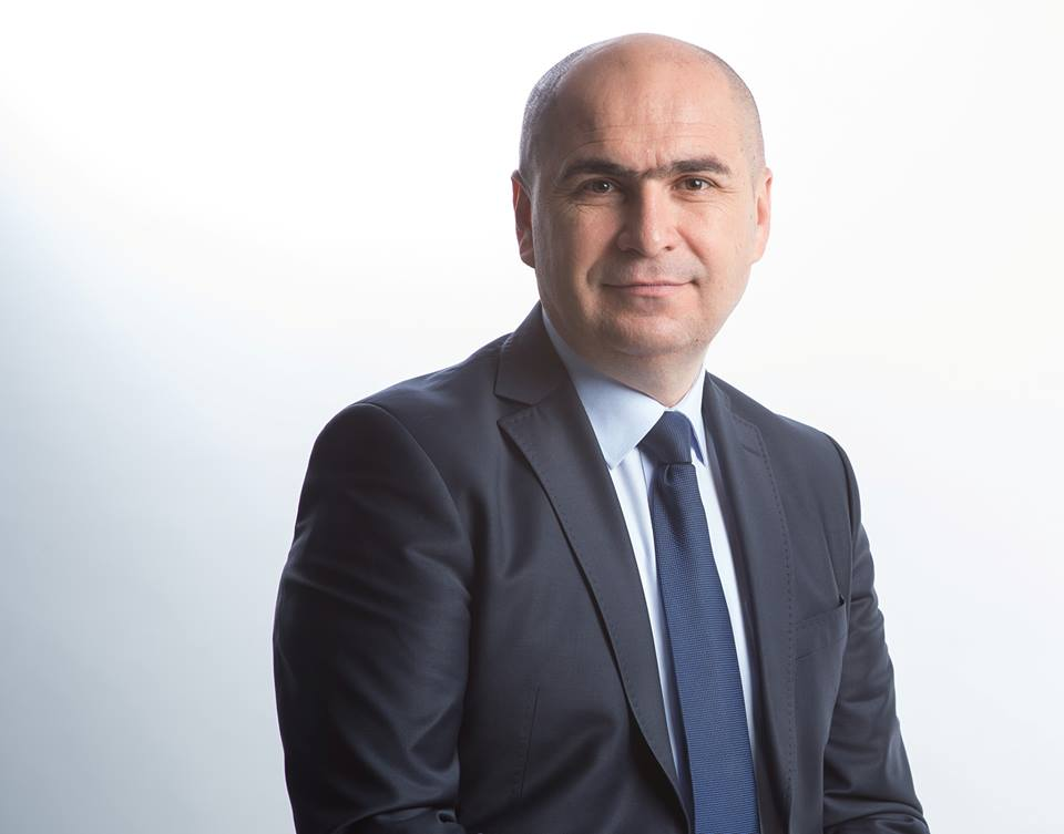 Schimbarea la faţă a municipiului Oradea continuă - Presa ...  |Ilie Bolojan